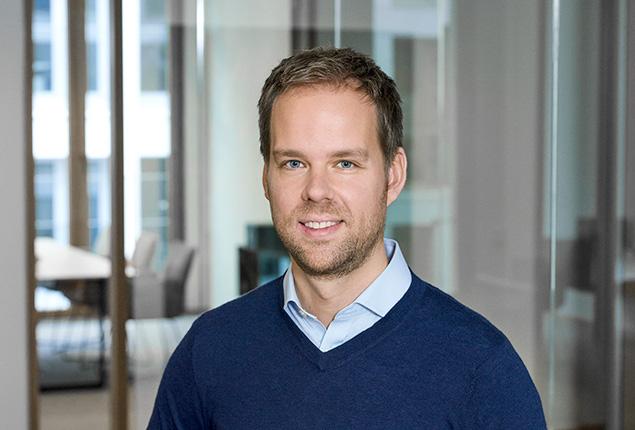 Dr.  Julian Albrecht