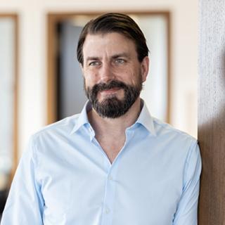 Dr. Stephan Bank
