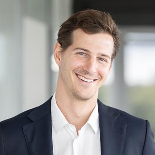 Dr.  Christoph  Lüttenberg