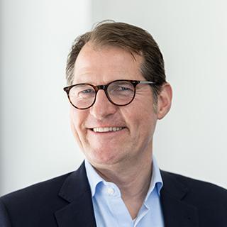 Dr. Hariolf Wenzler