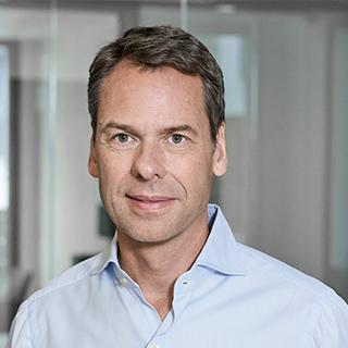 Dr. Jörn<br>Wöbke
