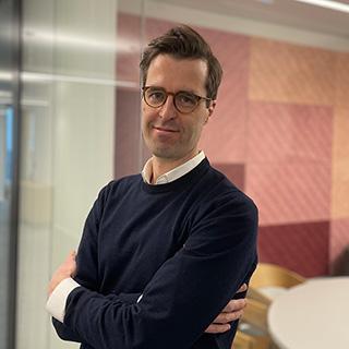 Dr. Tim<br>Schlösser